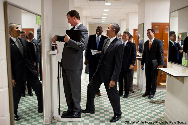 http://cdn.static.telepixtv.com/photos/ellen/gallery-images/2010/08/Obama-on-Scale_full.jpg