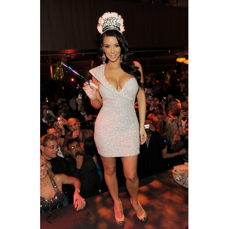 Kim_kardashian_anticipating_countdown_at_tao_las_vegas_photo_credit_denise_truscello_full