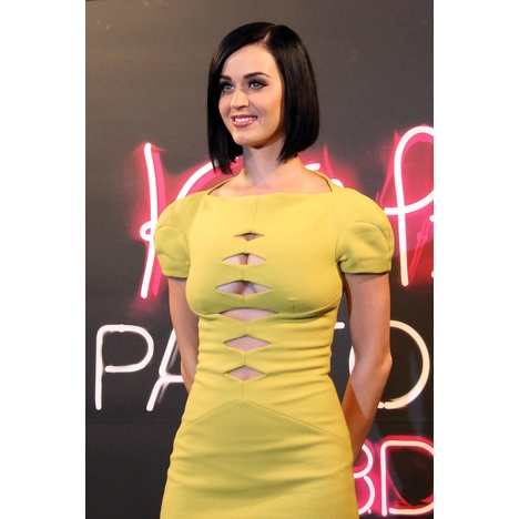 Ramey_katy_perry_073012_pg_16_full