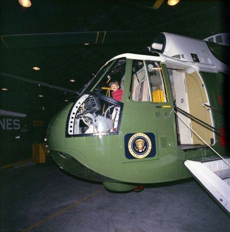 John_f_kennedy_jr_helicopter_mar31_1963_robert_knudsen_jfk_library_public_domain_jfkwhp-kn-c27683_7__full