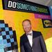 Jesse-tyler-ferguson-launches-post-it-brand-dreams-for-good-contest-at-the-vh1-do-something-awards-2_thumb