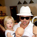 Fp_1275897_babby_shiloh_holds_onto_daddy_brad_pitt_in_crowd__thumb