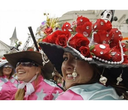 "<a href=""http://stylewithanna.com/entertainment/weird-and-crazy-kentucky-derby-hats/"" target=""_blank"">Style.With.Anna.com</a>"