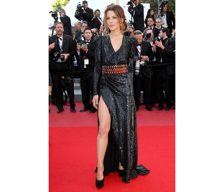 Fp_5022816_ang_cannes_biutiful1_051710_full
